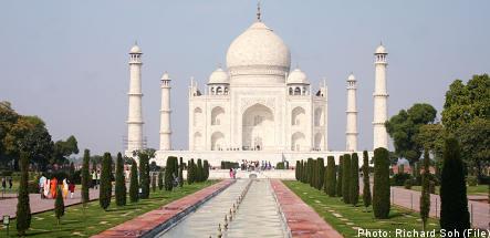 Swedish lesbians in historic Taj Mahal wedding