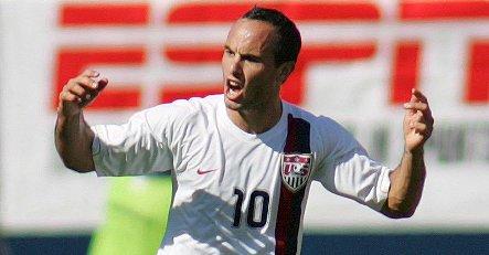 US star Donovan joins Bayern Munich on loan