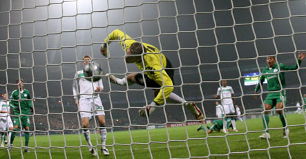 Panathinaikos blitz Bremen's Champion League hopes