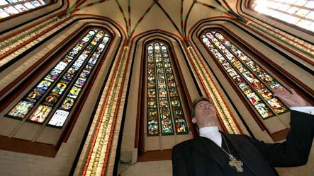 Russia returns looted church windows
