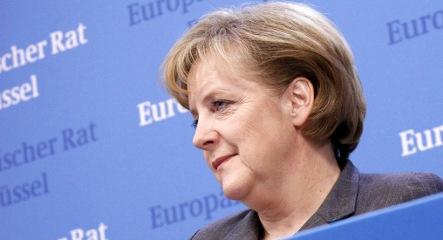Merkel says 'Oui' to EU stimulus, climate deals