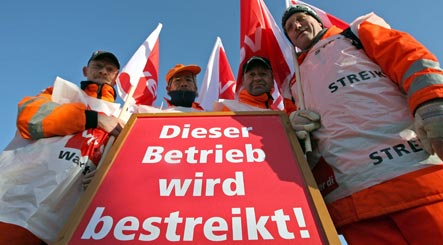 Union warns of strikes in public sector
