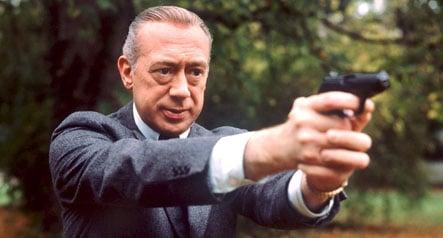 Famous TV cop Derrick dies