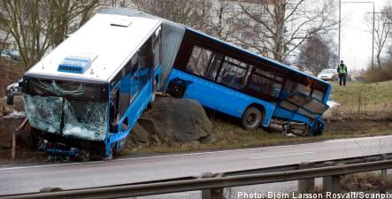 Gothenburg bus crash sends 13 to hospital