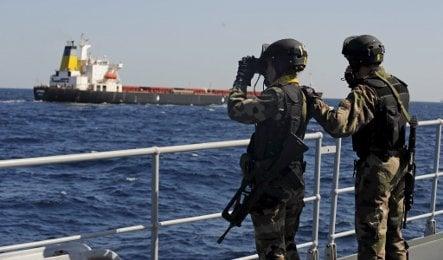 Germany backs EU mission to fight pirates
