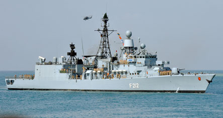 German warship foils pirate attack on vessel