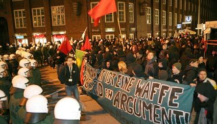 Riots in Hamburg after Greek solidarity display