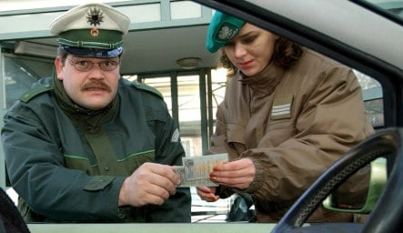 Dead Polish man found in back seat by border police