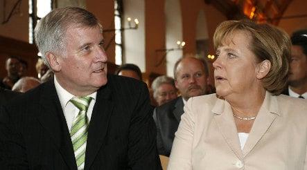 Merkel seeks unity in CDU on economic stimulus plans