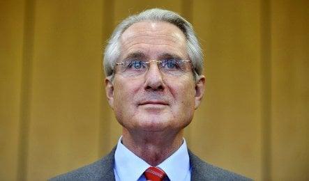 Ex-Deutsche Post boss admits to tax evasion