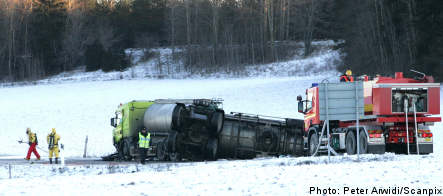 One dead in tanker crash