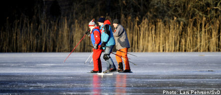 Sweden emerges from weekend chill