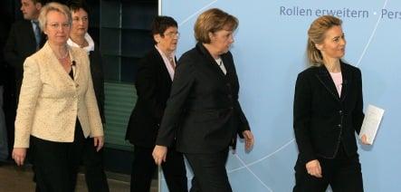 Merkel calls for more women to join politics