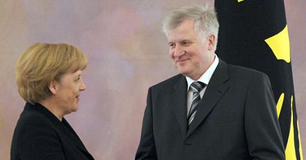 Seehofer warns against relying on Merkel