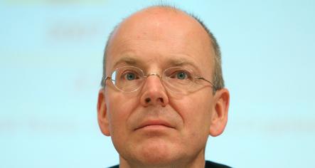 Dresdner Bank employees veto new Commerzbank manager