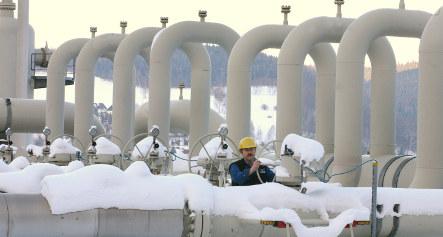 Merkel presses Russia and Ukraine on gas row
