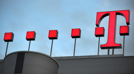 Deutsche Telekom upbeat after meeting 2008 targets
