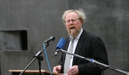 Thierse calls €1.30 Kaiser's cashier verdict 'barbaric'
