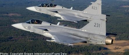 Sweden's air force 'can't send secret messages'