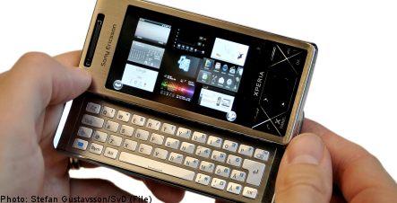 Sony Ericsson issues profit warning