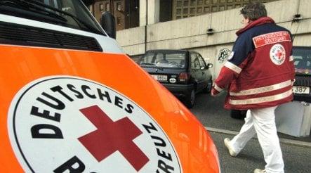 Thief steals ambulance while crew battle to save sick child
