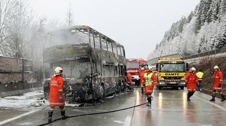 German ski bus bursts into flames in Austria