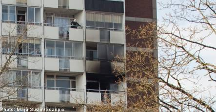 Man dies after jump from burning building