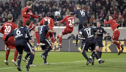Leverkusen turfs Bayern out of cup