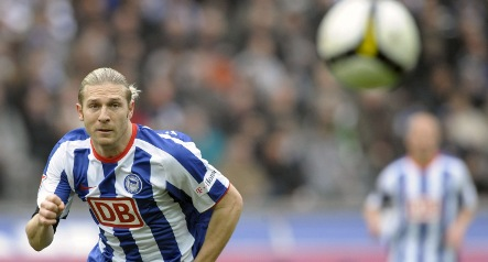Hertha Berlin beat Leverkusen to stay top of the Bundesliga