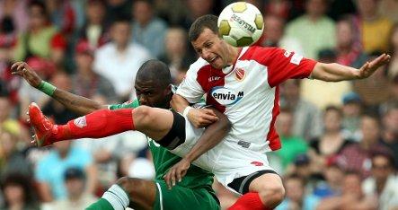 Shocking Wolfsburg loss leaves Bundesliga race open