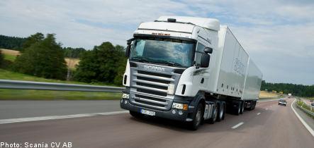 Scania sees profits and orders plummet