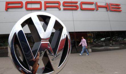 VW mulling reverse takeover of Porsche