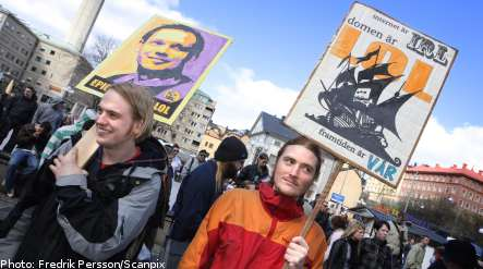 Swedes demonstrate in support of Pirate Bay