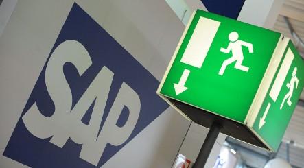 SAP Q1 profits tanks