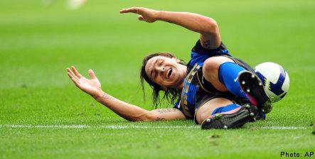 Restless Ibrahimovic looks to pastures new