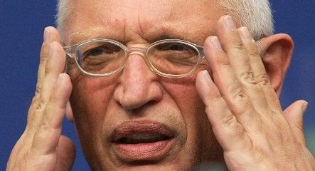 Verheugen slams German banks for risky investments