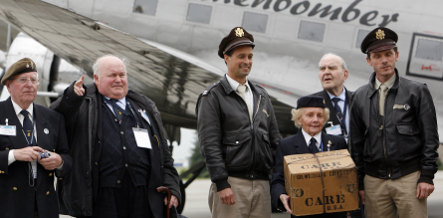 Berlin thanks airlift pilots 60 years later