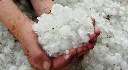 Severe storm leaves knee-deep hail
