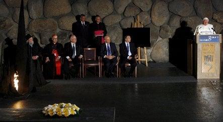 German Jews slam Pope Benedict's Yad Vashem visit