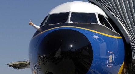 Four hospitalised after plane hits turbulence
