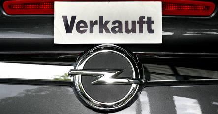 Berlin picks Magna to buy Opel
