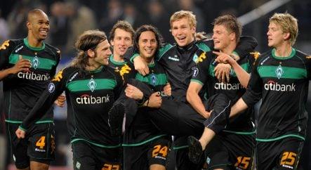 Bremen win breaks hearts in Hamburg