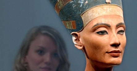 Art historian calls Berlin's Nefertiti bust a fake