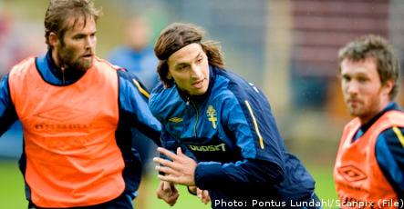 Sweden's footballers seek to defuse Danish dynamite
