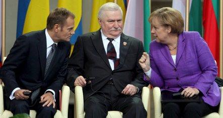 Merkel honours Polish freedom struggle and Tiananmen victims