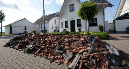 Tornado tears through northern Cologne