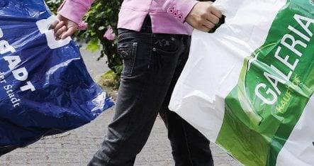 Shoppers spending cash despite recession