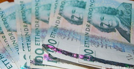 Gothenburg man finds riches in back of borrowed car