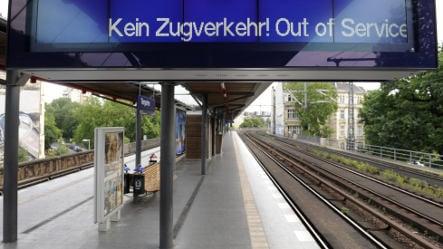 Berlin commuters face S-Bahn chaos