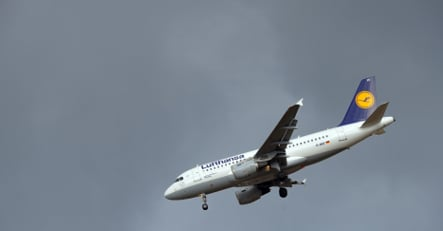 Lufthansa losses spur huge savings plan